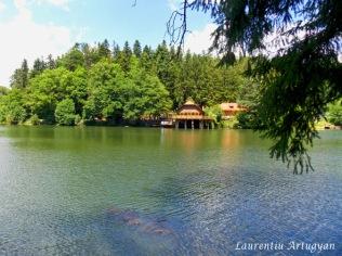 Lacul Buhui si Cabana Buhui