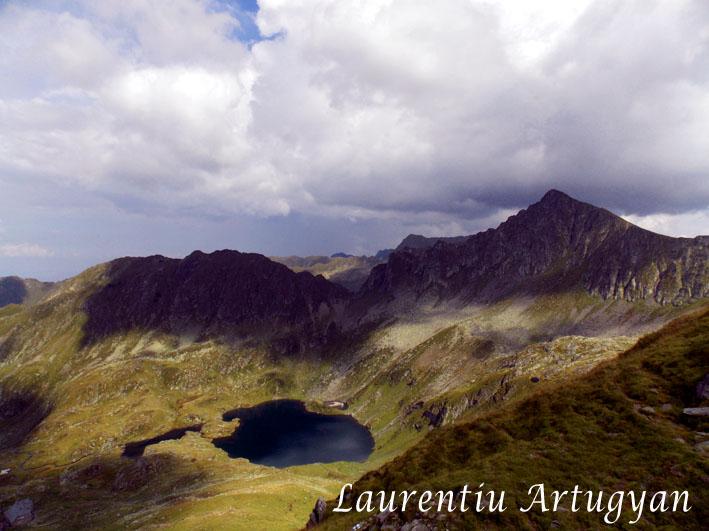 Lacul Podragu din Muntii Fagaras