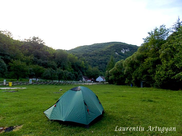 Cort Camping Valea Bei