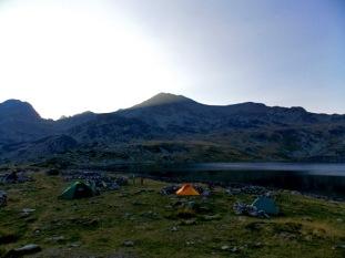 Loc cort Lacul Bucura