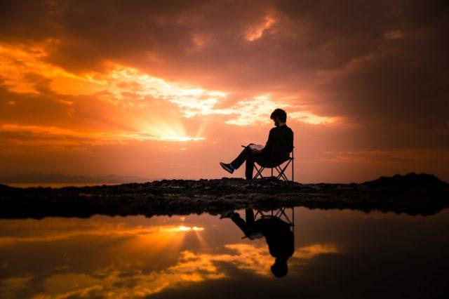 chair-clouds-dawn-1428626