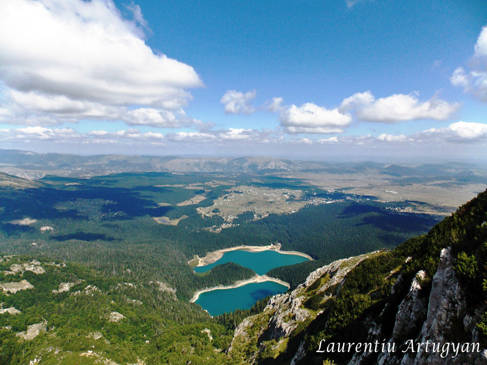 Crno Jezero de pe Varful Meded