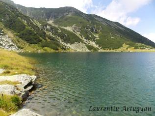 Lacul Gales din Muntii Retezat