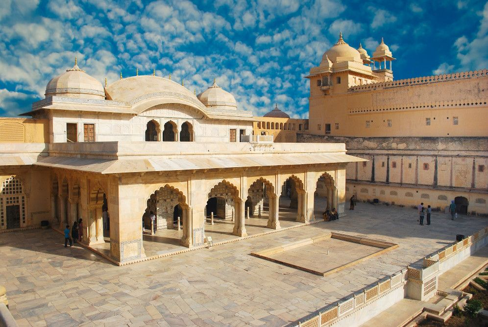 4a-beautiful-amber-fort-near-jaipur-city-in-india-rajasthan