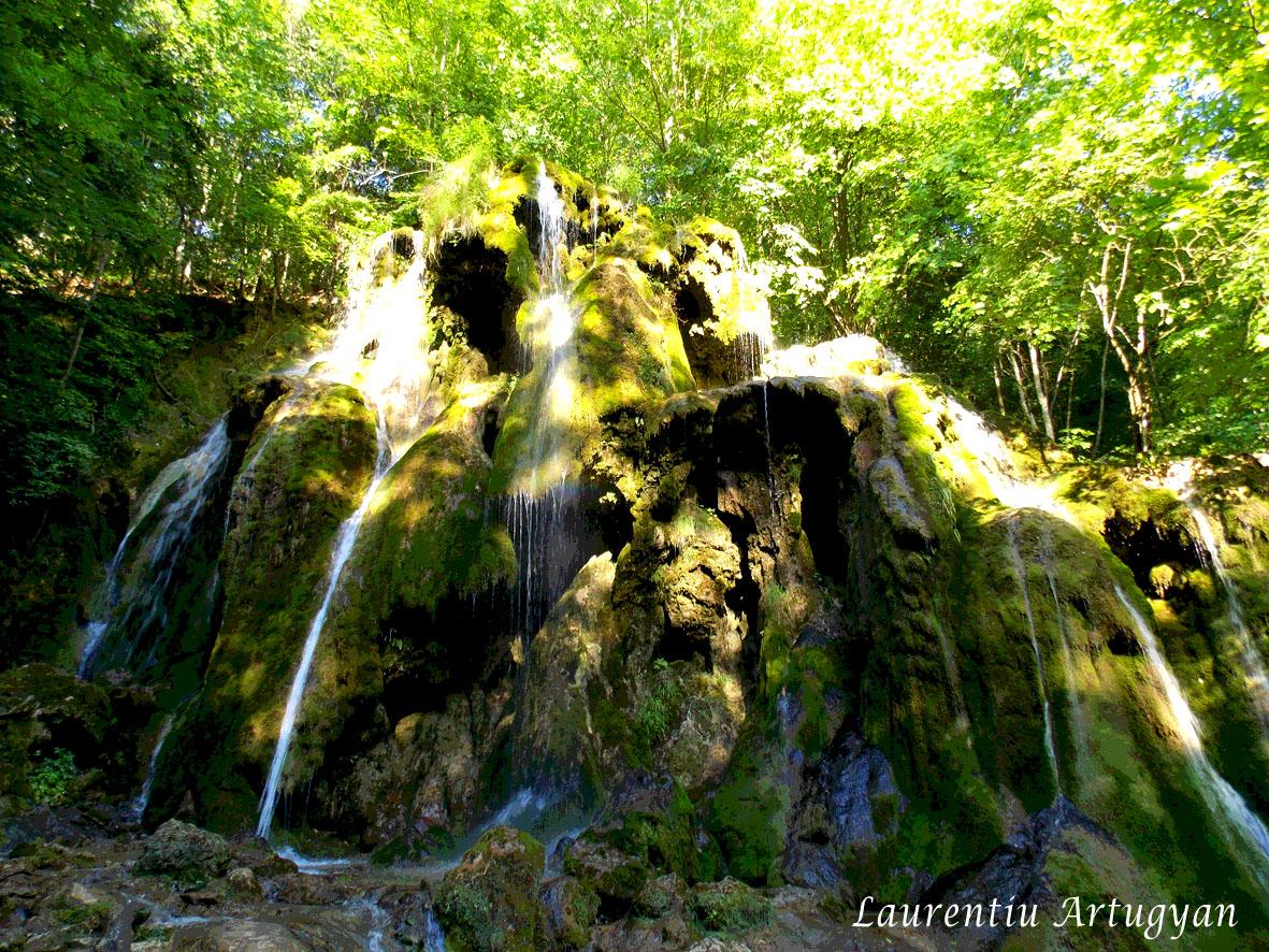 Cascada Beusnita in iunie