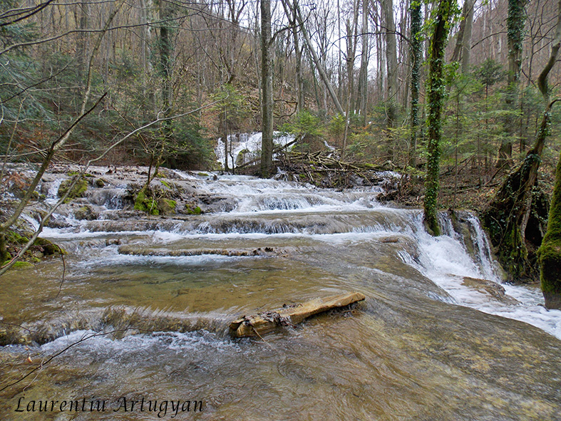 Valea Beusnita travertin