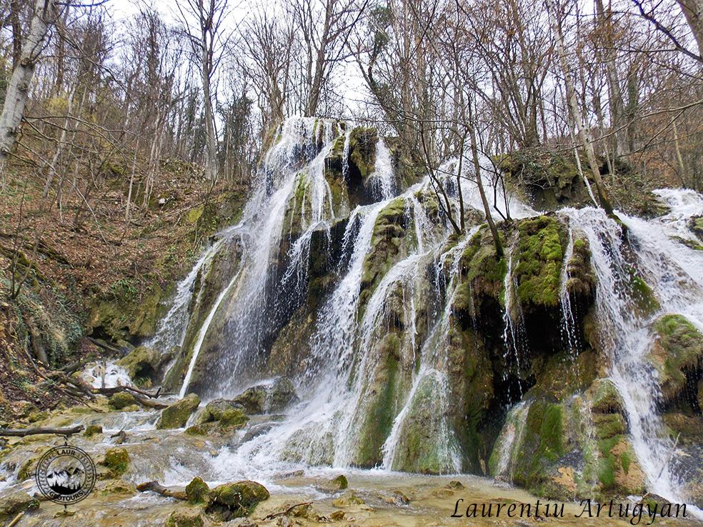 Cascada Beusnita Laur GeoTours