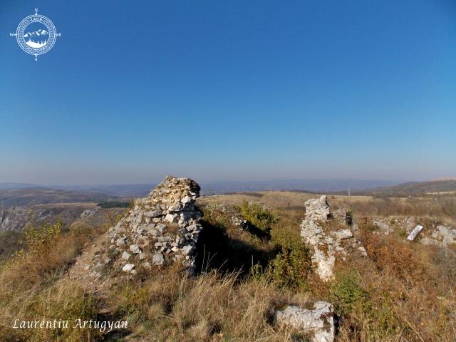 Cetatea Carasului in Cheile Carasului