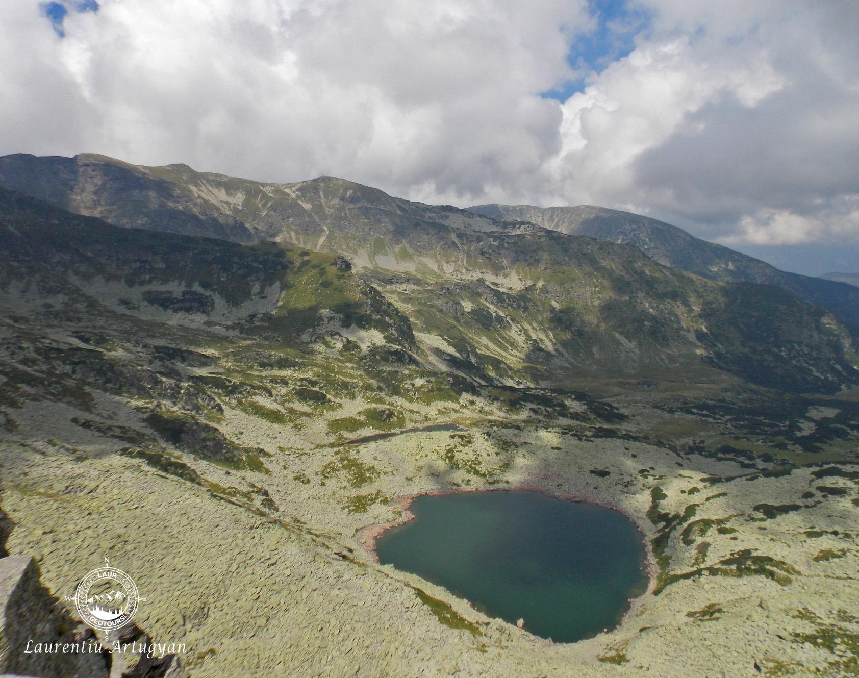 Lacul Rosiile Muntii Parang